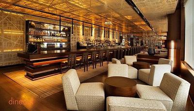 The Long Bar - Hyatt Regency