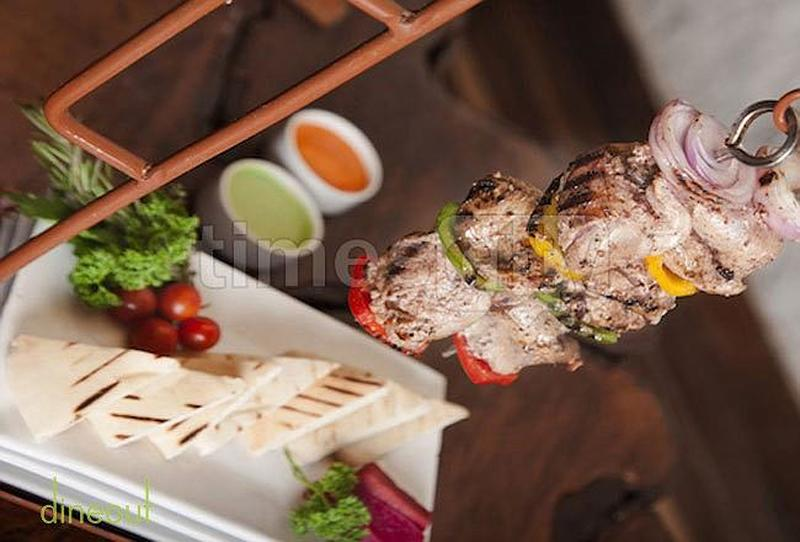 MOETS SHACK - Global Rustic Lounge Defence Colony