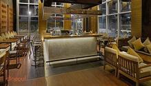 Komatose - Holiday Inn Express & Suites restaurant