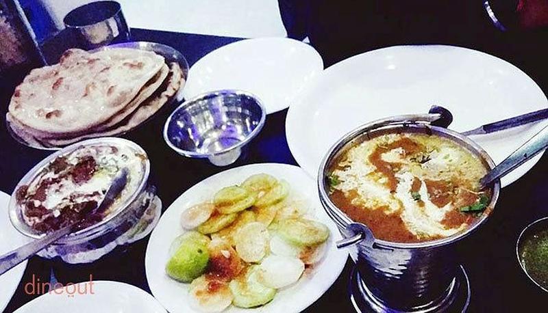 New Vikrant Restaurant GTB Nagar