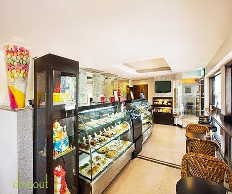 Sweet 'n' Crusty - Eros Hotel Nehru Place