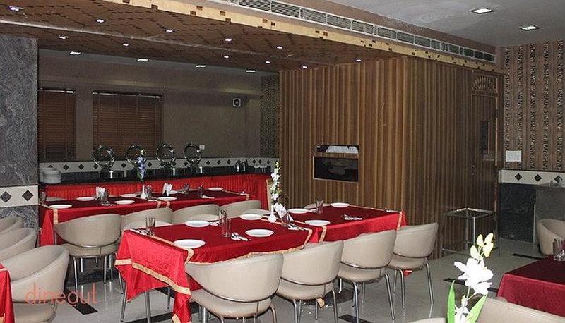 The League Restaurant Sector 14