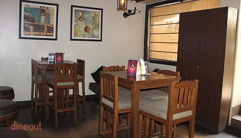 1 Oak Cafe & Bar Defence Colony