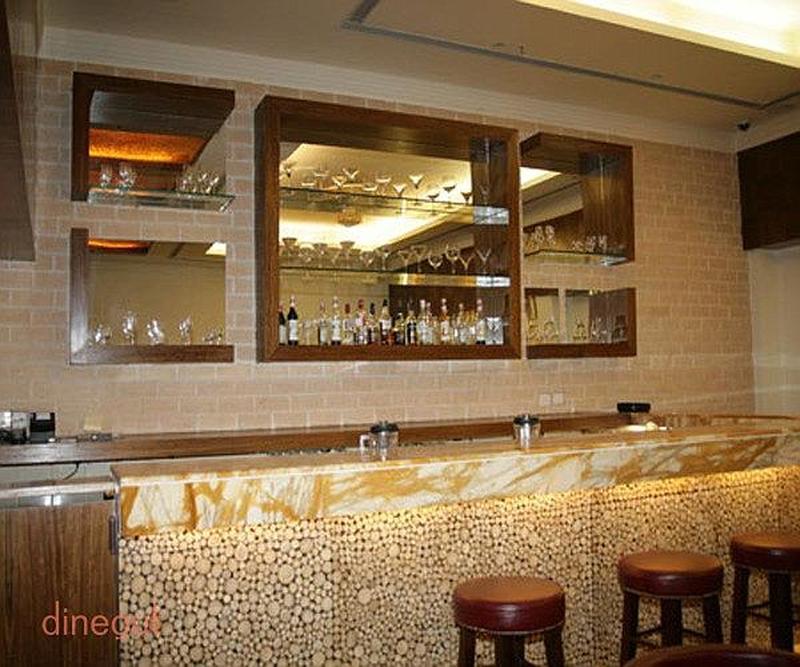The Retriever - Hotel Saffron Kiran Sector 35